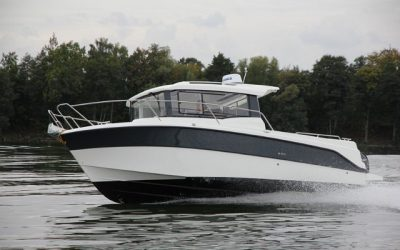 Parker 800 Pilothouse/ Fish